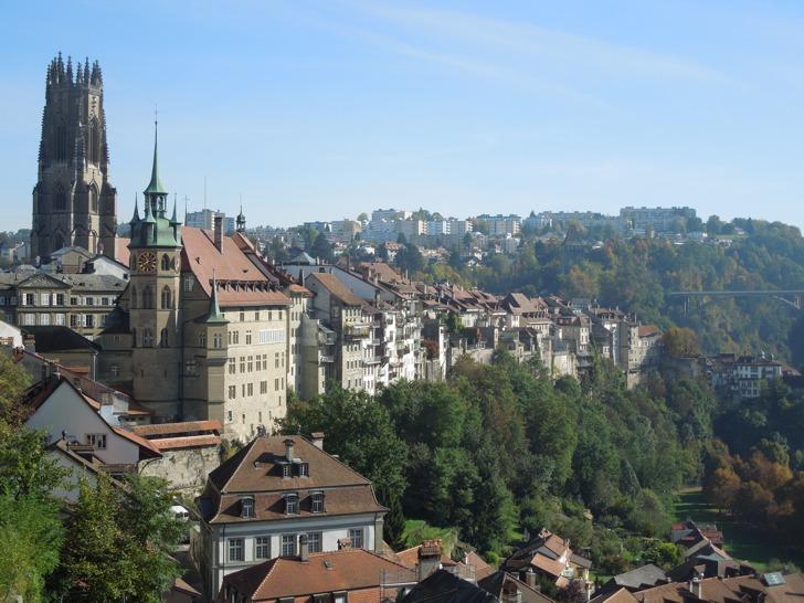 Fribourg - Die grösste historische Altstadt der Schweiz